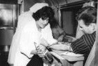 Ônibus da Associação Beneficente de Coleta de Sangue em campanha para doação de sangue no jornal O Estado de S.Paulo,SP. 09/02/1961.