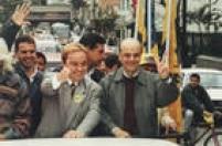 O apresentador Gugu Liberato em carreata ao lado do candidato do PSDB,José Serra, ducampanha eleitoral para Prefeitura de São Paulo, SP, 18/9/1996.