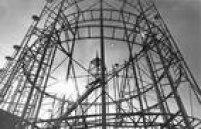Vista parcial de trilhos da montanha russa do parque de diversões do Playcenter em São Paulo, em 26/07/1973