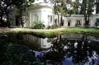 A sede da Fundação Ema Gordon Klabin, parte de um loteamento de alto padrão projetado no final da década de 20 pelo arquiteto Hipólito Pujol Jr.