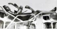 <a href='http://acervo.estadao.com.br/noticias/personalidades,pele,574,0.htm' target='_blank'>Pelé</a>tocaviolãona concentração da Seleção brasileiradurante a Copa de 1970,noMéxico.
