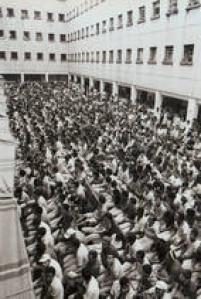 Detentos do Presídio do Carandiru assistem ao jogo entre Brasil e União Soviética, válido pela Copa do Mundo na Espanha,São Paulo, SP, 14/06/1982.