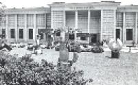 """Entrada do Museu de Arte Brasileira da FAAP, aberto ao público no dia 10 de agosto de 1961, com a mostra """"Barroco no Brasil""""."""