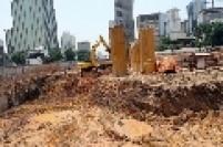 Obras de terraplanagem no terreno comprado pela incorporadora Brascan, no sítio arqueológico Itaim-Bibi, onde está a Casa do Bandeirista.