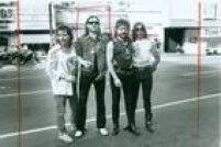 Em 1989, o Motorheadveio ao Brasil pela<a href='http://acervo.estadao.com.br/pagina/#!/19890309-34984-nac-0084-cd2-12-not/busca/Motorhead' target='_blank'>primeira vez</a>para se apresentar no ginásio do Ibirapuera. Na imagem, o grupo de Lemmy posa para o fotógrafo Leonardo Castro naregião daAvenida São João,no centrão de São Paulo. Veja fotos inéditas deste ensaio fotográfico.