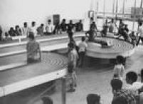 Em1966 criançasbrincam de<a href='http://acervo.estadao.com.br/pagina/#!/19661007-28060-nac-0036-tur-6-not/busca/autorama' target='_blank'>corrida deautorama</a>em pista montada no Parque do Ibirapuera