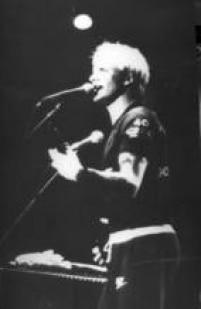Sting toca os sucessos de The Police para o público no Rio, 1982