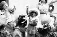 Menina dança quadrilha em Festa de São João, 30/6/1976.