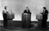 Os candidatos Fernando Collor de Melo (PRN) e Luiz Inácio Lula da Silva (PT)em debate pelo segundo turno das eleições presidenciais de 1989, mediado pelo jornalista Boris Casoy, em São Paulo, 1989.