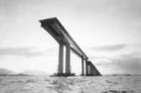 <a href='http://https://acervo.estadao.com.br/pagina/#!/19721125-29955-nac-0014-999-14-not' target='_blank'>Ponte Rio-Niterói em construção</a>em 8 de novembro de 1972.