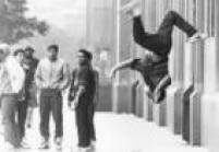 Apresentação de dança de rap e hip hop no Largo São Bento,17/7/1988