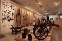 O acervo inicial do Museu Afro Brasil foi constituído de peças advindas da coleção particular de Emanoel Araujo, artista plástico baiano e idealizador do Museu.