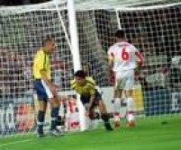 Bebeto e Ronaldo comemoramgol no jogo contra o Marrocos, válido pela primeira fase da Copa do Mundo na França, 16/6/1998. O Brasil venceu a partida por 3 a 0, com gols de Ronaldo, Rivaldo e Bebeto.