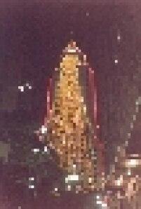 Prédio do Banespa enfeitado para o Natal de 1992.