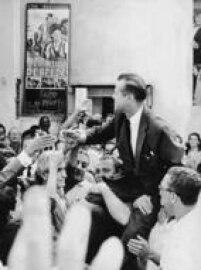 JoséVicente Faria Lima em campanha,22/3/1965.Faria Lima foi oúltimo prefeito eleitoantes da redemocratização. Depois que ele deixou o cargo em 1969, durante o período da<a href='http://acervo.estadao.com.br/noticias/topicos,ditadura-militar,875,0.htm' target='_blank'>ditadura militar</a>, a cidade teve sete prefeitos indicados pelo governador paulista.