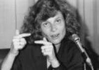 Ministra Zélia Cardoso de Mello ementrevista coletiva para explicar o<a href='http://acervo.estadao.com.br/pagina/#!/19900317-35302-nac-0001-999-1-not' target='_blank'>lançamento do plano econômico</a>, em 1990