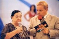 A vidente Mãe Dinah durante gravaçãodo programa do Gugu, que era exibido aos domingos no SBT,Sâo Paulo, SP. 03/3/1996.Mãe Dinah ganhou notoriedade depois de supostamente ter previsto o acidente com o grupo Mamonas Assassinas.