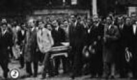 Imagem dos funerais dos estudantes Dráusio Marcondes e Antonio de Camargo, publicada noSuplemento Rotogravurade 25/8/1932