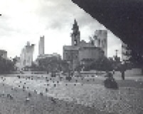Praça Roosevelt na década de 80. O local ficou conhecido pelos teatros que existem nas imediações.