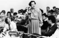 """A professora e economista Maria da Conceiçãoo Tavares vista durante o simpósio """"Brasil Século XXI"""", na capital paulista,02/8/1988."""