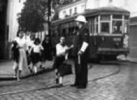 No<a href='http://fotos.estadao.com.br/galerias/acervo,bondes-em-sao-paulo,24331' target='_blank'>tempo dos bondes</a>. Veja fotos do veículo que circulou em São Pauloaté os anos60