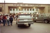 Carros da Rota entram na Casa de Detenção do Carandiru. Para conter uma rebelião que teve início no pavilhão 9, a Tropa de Choque de SP, comandada pelo coronel Ubiratan Guimarães, invadiu o presídio do Carandiru e matou 111 presos, em 02/10/1992