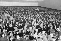 Plateia é vista durante espetáculo no Teatro Cultura Artística