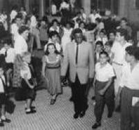 O cantor e pianista de jazz<a href='http://acervo.estadao.com.br/noticias/acervo,nat-king-cole-no-brasil,11643,0.htm' target='_blank'>Nat King Cole desembarcou no Brasil</a>em 1959 para uma turnê de sete dias no Rio e em São Paulo
