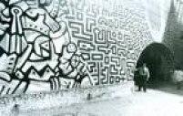 A Escola Panamericana de Arte e seus muros grafitados em 1989.
