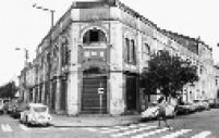 Fachada do Teatro São Pedro, na esquina das ruas Albuquerque Lins e Barra Funda, região oeste da capital paulista.