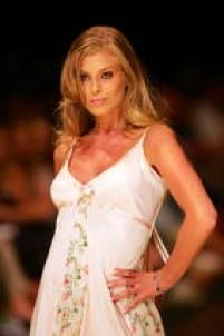 Caroline Bittencourt clicada por Valeria Gonçalvezem 2005.