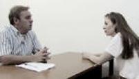 Frame da entrevista do apresentador<a href='http://https://acervo.estadao.com.br/pagina/#!/20150307-44335-nac-47-cd2-c8-not/busca/Suzane+Gugu' target='_blank'>Gugu Liberato comSuzane von Richthofen</a>para seu programa na TV Record, São Paulo, SP.25/2/2015.