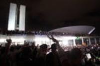 Mais de 7 mil pessoas realizaram um protesto na Esplanada dos Ministérios e no Congresso Nacional, que teve a cúpula invadida.Brasília, DF, 17/06/2013.