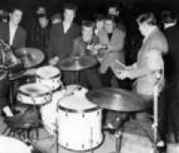 Ritmo alucinantedo rockcontagiava adolescentes e jovens nos anos 50