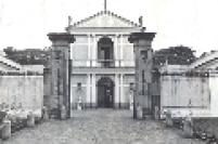 Museu da Casa Brasileira. O local pertenceu ao ex-prefeito de São Paulo Fábio da Silva Prado e foi erguido na década de 1940.