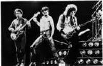 <a href='http://https://acervo.estadao.com.br/pagina/#!/19810317-32518-nac-0048-999-48-not' target='_blank'>Queen em apresentação no Morumb</a>i em março de 1981