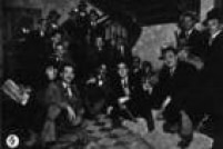 Estudantes aguardam a chamada para o alistamento nos salões da Faculdade de Direito São Francisco. Imagem publicada noSuplemento Rotogravurade 25/8/1932