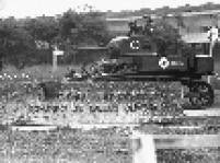 Tanques invadem o campus da USP. Quatro dias após o Ato Institucional número 5 ser decretado, o Conjunto Residencial dos estudantes da USP foi invadido pelo exército.