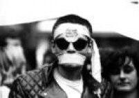 Manifestante emcomício das<a href='http://acervo.estadao.com.br/noticias/topicos,diretas-ja,874,0.htm' target='_blank'>Diretas Já</a>, no Vale do Anhangabaú, 16/4/1984