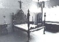 Um dos quartos preservados da Fundação Maria Luísa e Oscar Americano. Os quartos possuem móveis raros usados pelo casal.