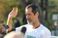 O candidato do PV à Presidência da República, Eduardo Jorge, chegar à sede do SBT para participar do debate dos presidenciáveis, São Paulo, SP, 01/09/2014.