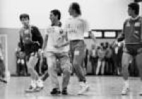 <a href='http://acervo.estadao.com.br/pagina/#!/19900513-35349-nac-0040-999-40-not/busca/Collor' target='_blank'>Fernando Collor ao lado de Dunga</a>e Branco notreino da Seleção Brasileiraem 1990