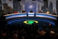 Primeiro encontro com os principais candidatos a prefeito. Da esquerda para a direita: Luíza Erundina (PSB), Paulo Pereira da Silva (PDT), Havanir Nimtz (Prona), JoséSerra (PSDB), Carlos Nascimento, mediador do debate, Paulo Maluf (PP), Marta Suplicy (PT) e Ciro Moura (PTC),5/8/2004