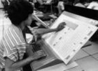 Apuração de votos nas eleições de 1982.