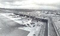 Aeroporto Internacional em 1988. Foi erguido devido a necessidade da região metropolitana de São Paulo ter um aeroporto maior para atender sua crescente demanda.