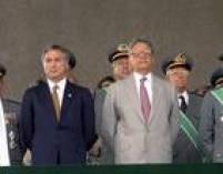 Presidente da República, Fernando Henrique Cardoso e o presidente da Câmara, Michel Temer participam de solenidade de comemoração do Dia do Exército, em Brasília, DF, 19/04/1997.