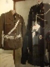 Uniformes utilizados pela Polícia Militar também estão expostos no Museu da PM.