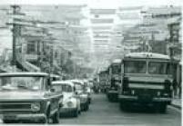 <a href='http://acervo.estadao.com.br/noticias/acervo,rua-augusta-por-onde-tudo-passa,9839,0.htm' target='_blank'>Rua Augusta</a>coberta por quadrados coloridos de<a href='http://acervo.estadao.com.br/pagina/#!/19731125-30265-nac-0059-999-59-not/busca/rua%20Augusta+acarpetada' target='_blank'>carpete no Natal de 1973</a>
