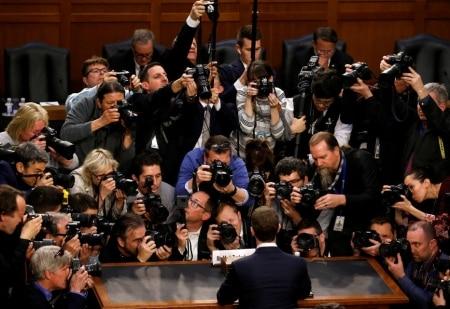 https://link.estadao.com.br/noticias/empresas,inglaterra-e-canada-querem-ouvir-mark-zuckerberg-sobre-fake-news,70002576911