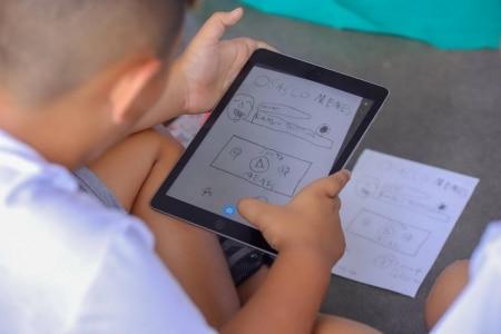 https://link.estadao.com.br/noticias/cultura-digital,em-osasco-ipad-quebra-rotina-de-escola-publica,70002724670